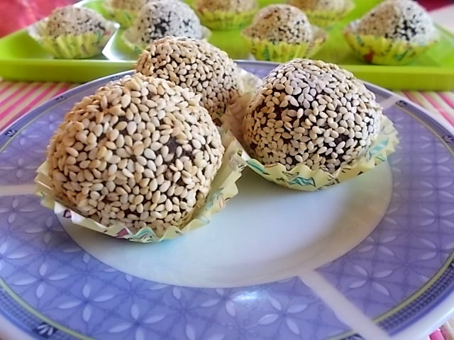 Trufle sezamowe bez cukru