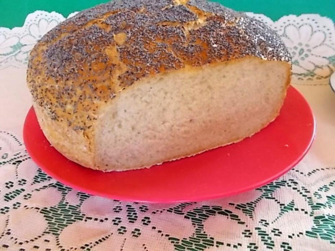 domowy chleb z makiem