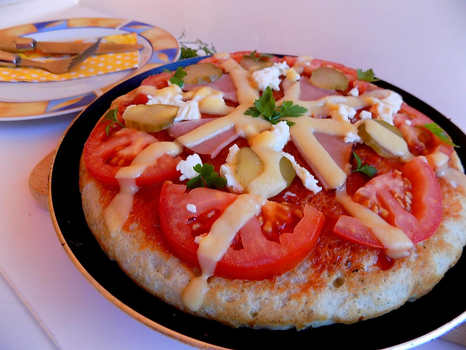 Pizza na szybko z patelni