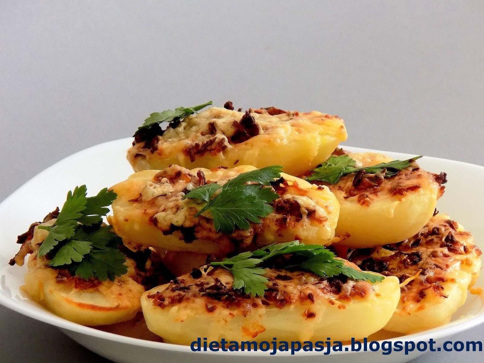 Pyszne pieczone ziemniaki z piekarnika