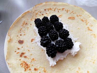 Naleśniki - wypasione z serem i owocami