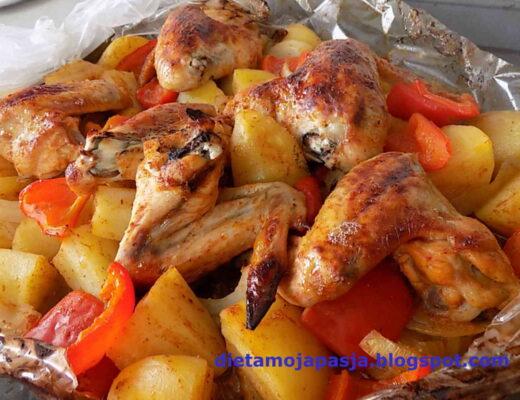 pieczone skrzydełka z ziemniakami w rękawie do pieczenia - Obiad z rękawa do pieczenia