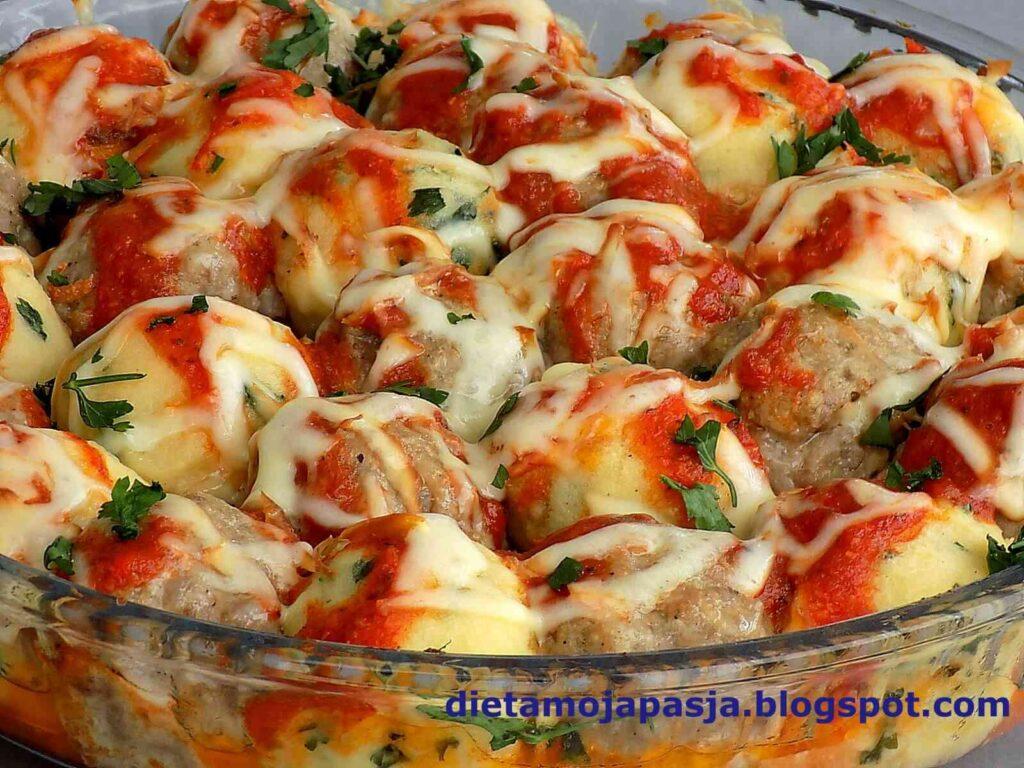 Zapiekanka z ziemniaków i mięsa mielonego