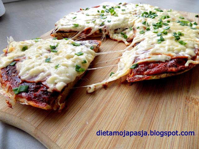 Zapiekanka a`la pizza