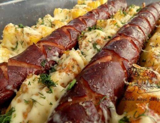 zapiekanka z ziemniaków i kiełbasy - zapiekanka chłopska