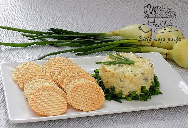 Zielona cebulka - sałatka