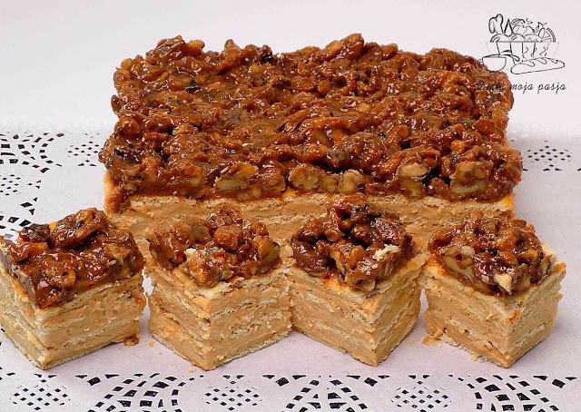 Ciasto budyniowe z orzechami