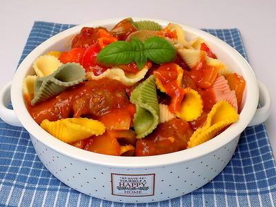 Makaron z sosem słodko - kwaśnym