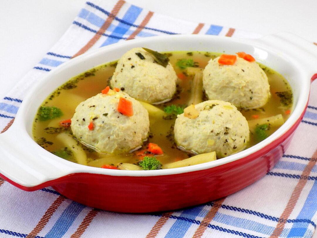 zupa jarzynowa z fasolką szparagową i klopsikami z indyka - klopsiki z indyka