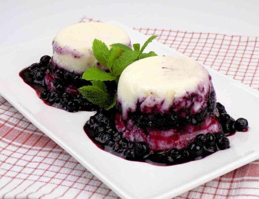 Zdrowy deser z jagodami