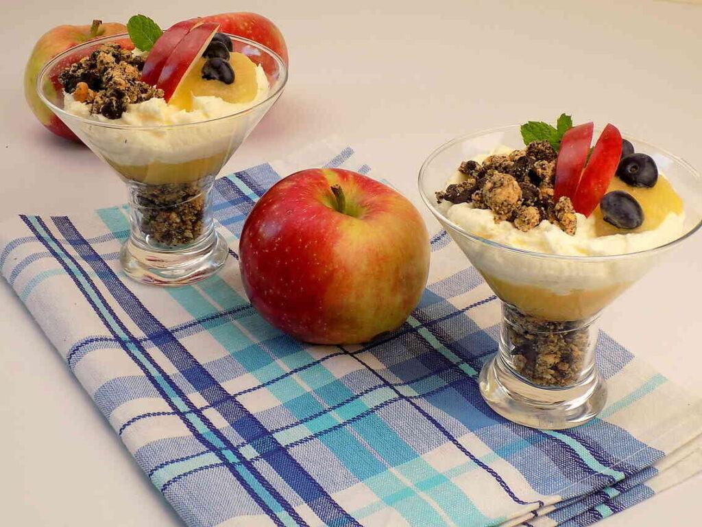 Deser z jabłek