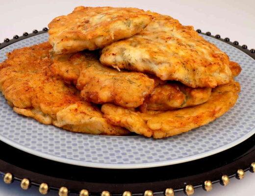 rumiane kotlety z piersi kurczaka smażone w cieście naleśnikowym z koperkiem - Pierś z kurczaka w cieście naleśnikowym