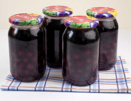 Wiśnie z cukrem pasteryzowane w słoiku - Kompot z wiśni na zimę