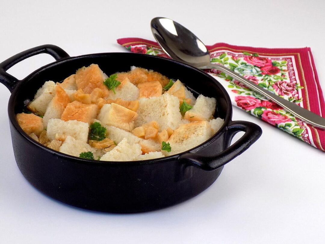 zupa z czerstwego chleba ze skwarkami wodą i czosnkiem - Wodzionka przepis