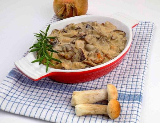 sos ze świeżych grzybów leśnych ze śmietaną i mascarpone - sos grzybowy